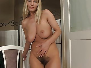 fingering,hairy,milf