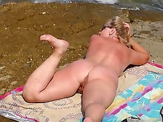 beach,public nudity,voyeur
