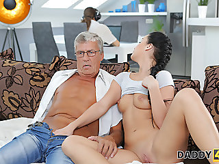 blowjobs,old+young,cuckold