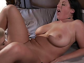 lesbian,hd videos,kissing